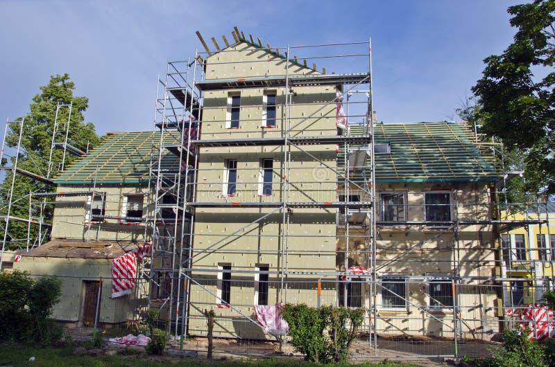 Viejos reparación de la casa y lugar de trabajo del aislamiento térmico fotos de archivo libres de regalías