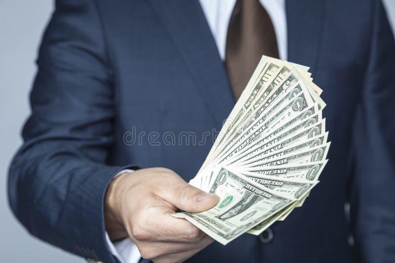 Viel Bargeld für das glückliche stockfotos