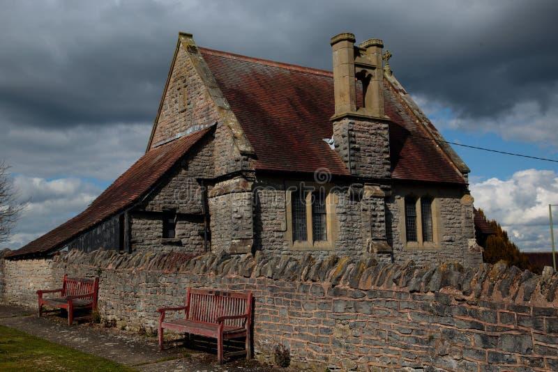Viel Kirchhof und Kapelle Wenlock in Shropshire, England lizenzfreies stockfoto