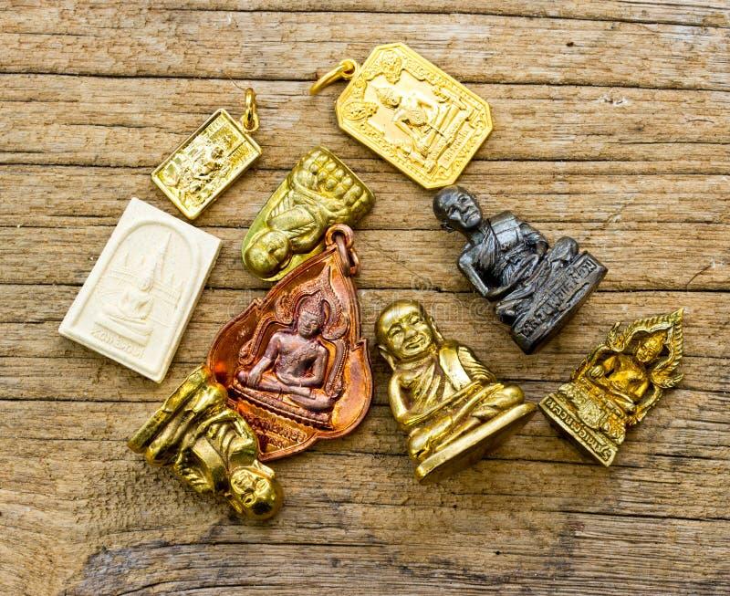 Viel kleines Buddha-Bild verwendet als Amulette lizenzfreie stockfotografie