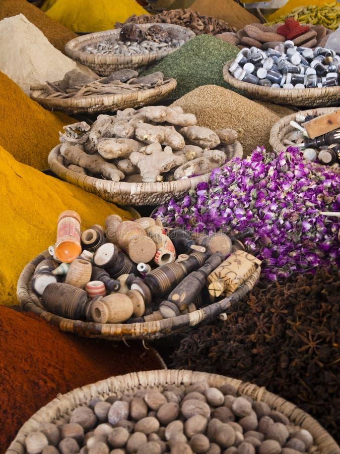 Viel marokkanisches Gewürz stockbild