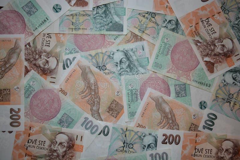 Viele Banknoten von Ceska Republika stockfoto