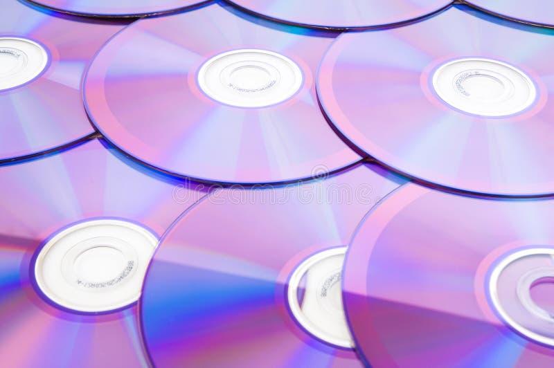 Viele DVD angeordnet lizenzfreies stockbild