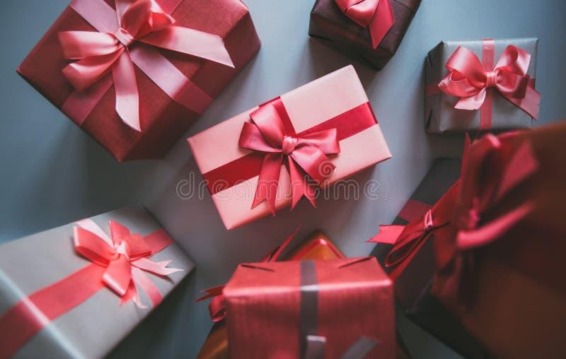 Viele Geschenke stockfotos