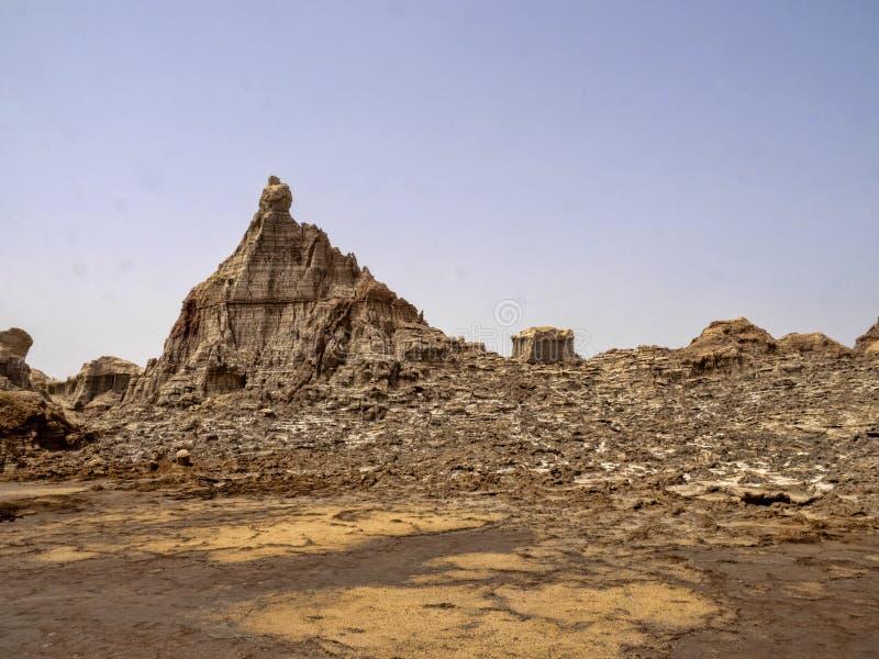Viele hohen Felsformationen steigen in die Danakil-Krise ?thiopien stockbild