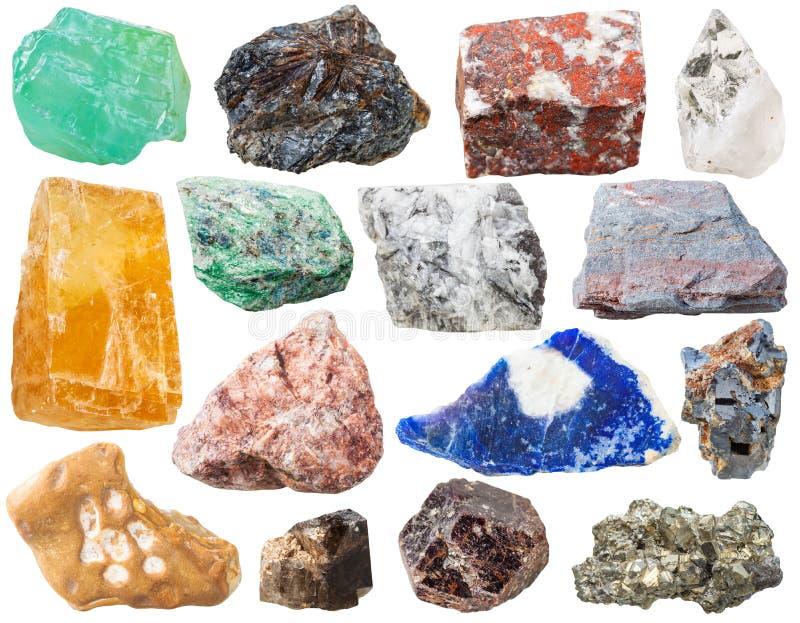 Viele Mineralfelsen und -steine lokalisiert lizenzfreie stockbilder