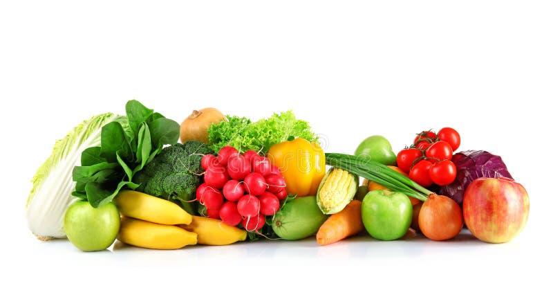 Viele Obst und Gemüse auf weißem Hintergrund stockbild
