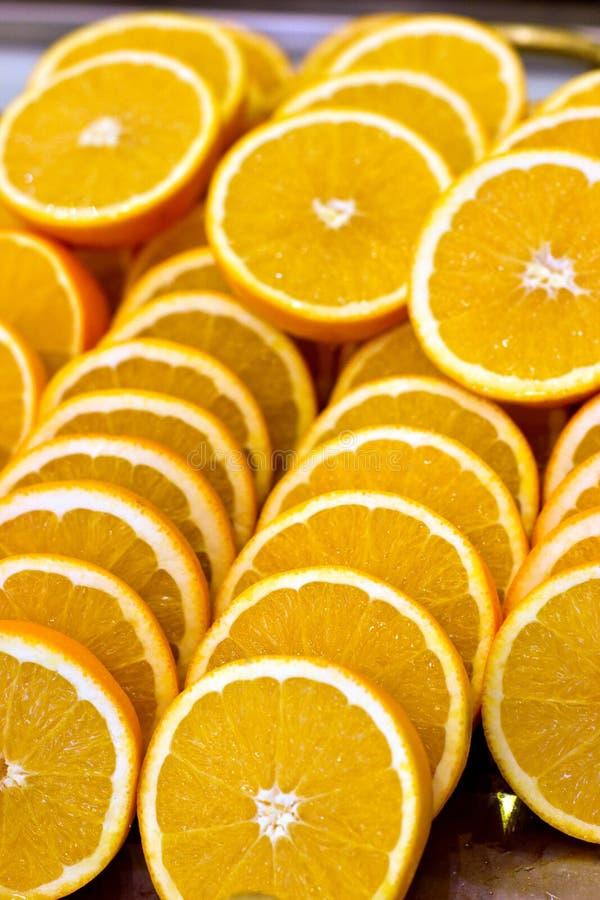 Viele Orangenscheiben Frisch, reif und saftig lizenzfreie stockbilder