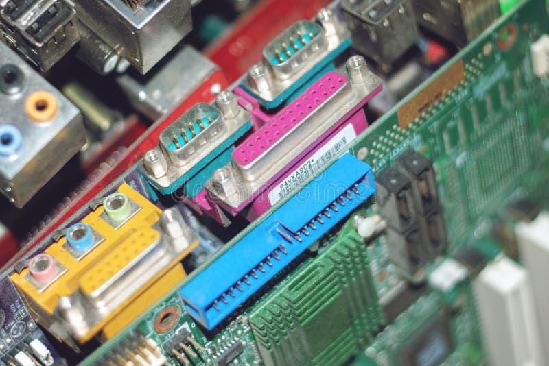 Viele PC Computermotherboards Stromkreiscpu chip mainboard Kernprozessor-Elektronikgeräte Digitaler Chip des alten Motherboards stockfoto