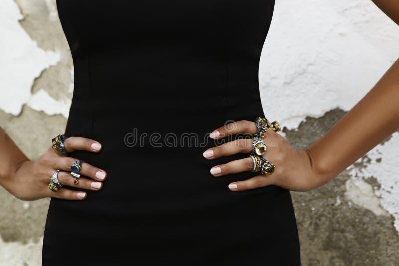 Viele schönen Ringe lizenzfreie stockfotos