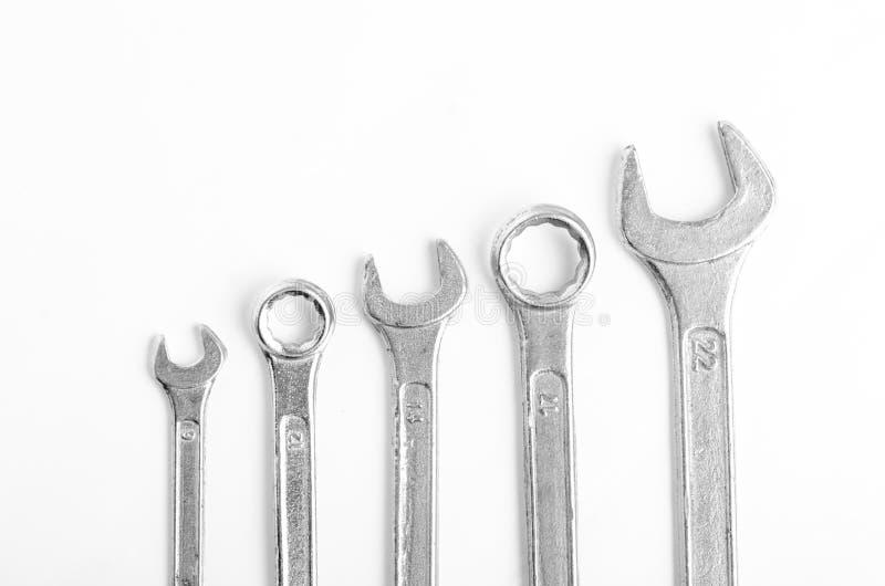 Viele Schlüssel von verschiedenen Größen stimmten von kleinstem mit größtem überein lizenzfreie stockbilder