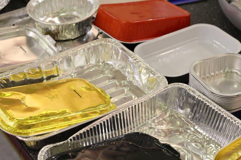 Viele verschiedenen Produkte vom Aluminium Aluminiumverpacken der Lebensmittel, Folie lizenzfreie stockbilder
