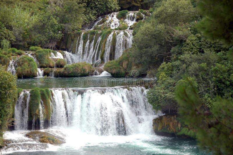 Viele Wasserfälle Plitvicka Jezera im Park lizenzfreie stockfotografie