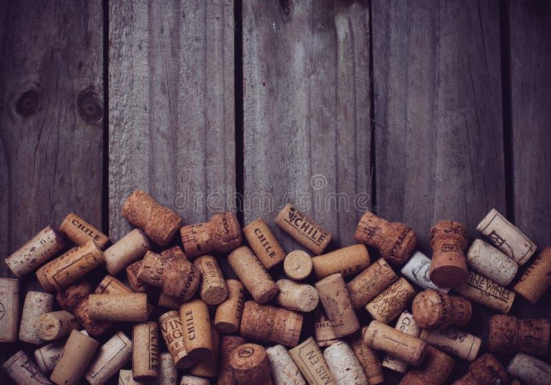 Viele Weinkorken lizenzfreies stockbild