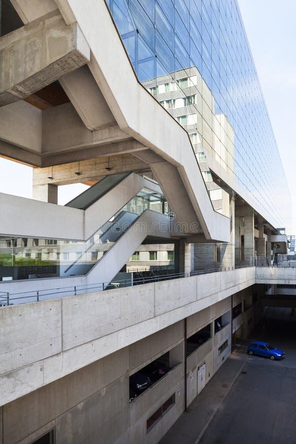 Viena, Áustria - 31 de agosto Construção moderna do complexo de escritório no centro de Viena - de International de Viena fotos de stock royalty free