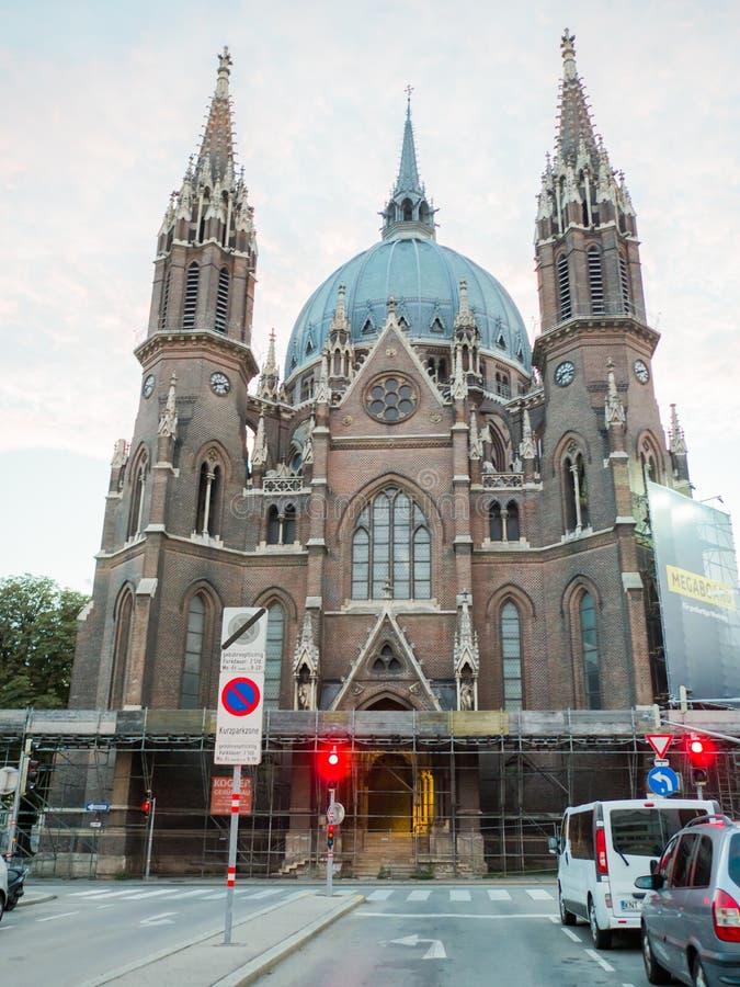 Viena, Áustria - 13 de agosto de 2018: Morre o cerco do vom de Kirche Maria a igreja de Maria Victorious, Viena, Áustria roman imagens de stock