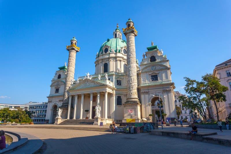 Viena, Áustria - 19 08 2018: Igreja de St Charles Borromei, Ka foto de stock