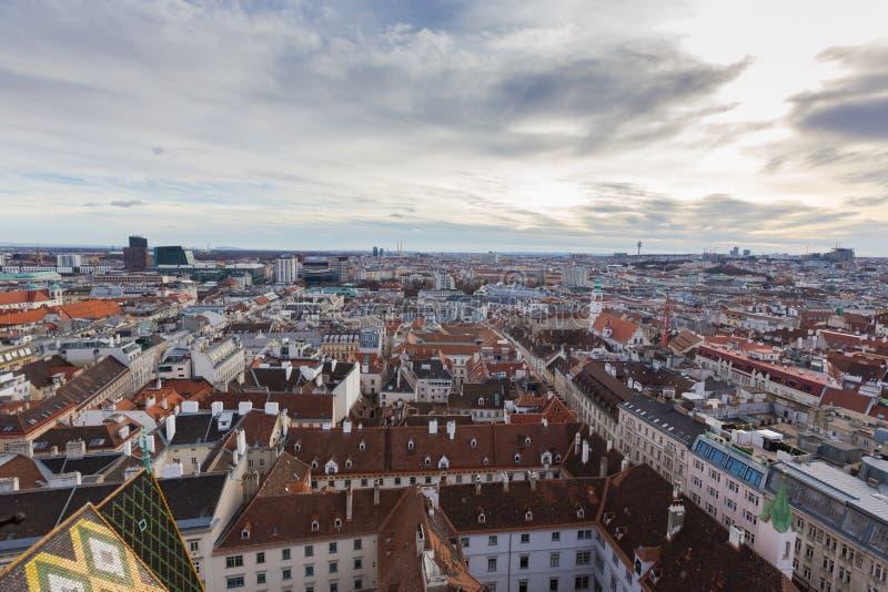 Viena, Austria 2 de enero de 2018 Visión desde el St Stephan de Domkirche de la catedral del ` s de St Stephen de la plataforma d imagen de archivo libre de regalías