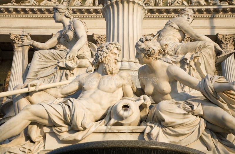 Viena - detalhe da fonte de Pallas Athena imagem de stock royalty free