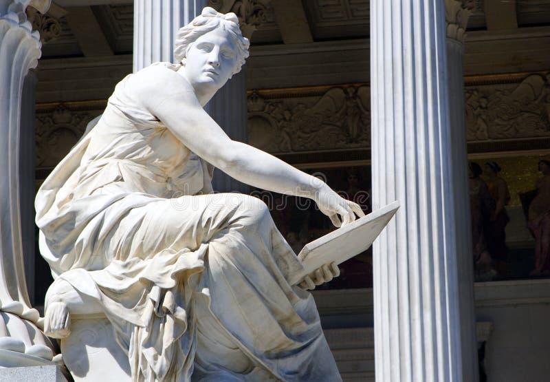 Viena - detalhe da fonte do Athene fotografia de stock