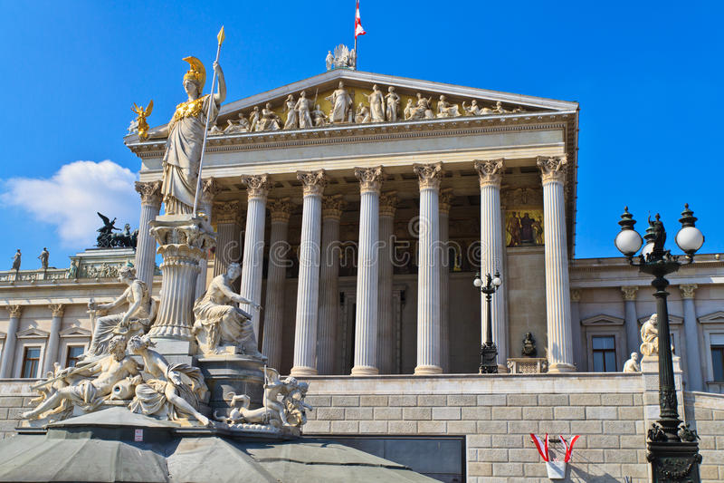Viena - edifício austríaco do parlamento foto de stock