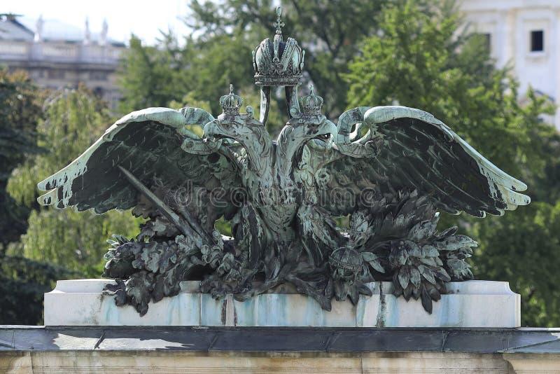 Viena: El águila austríaca y húngara del doble de la monarquía imagen de archivo libre de regalías