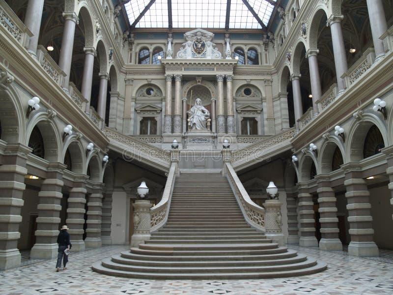 Viena - palacio de la justicia imágenes de archivo libres de regalías