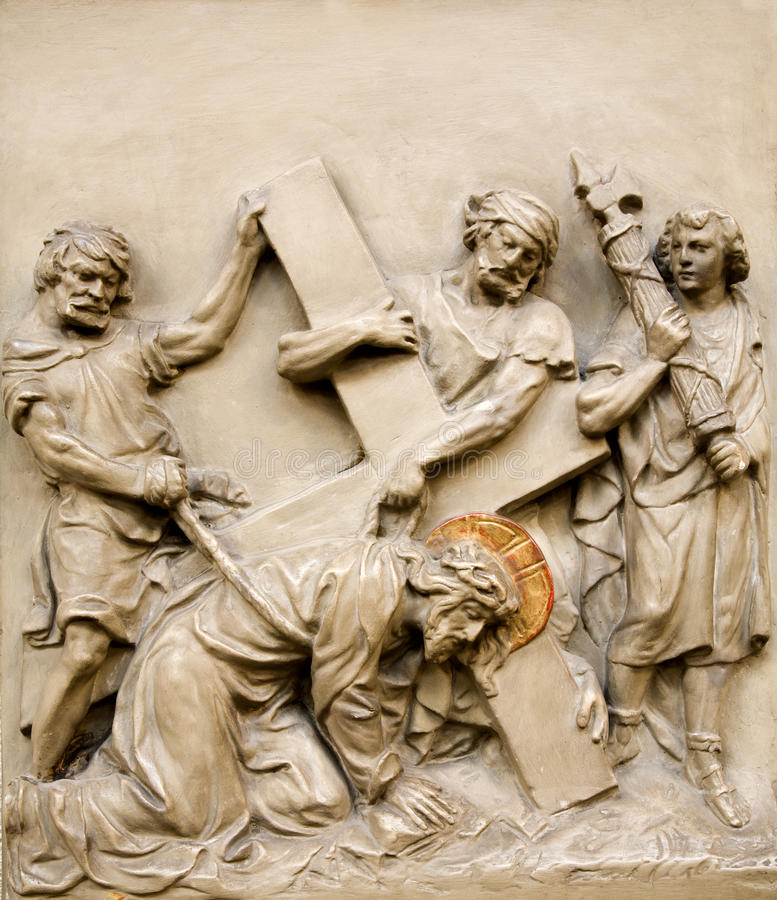 Viena - queda de Christ do relevo sob a cruz imagem de stock