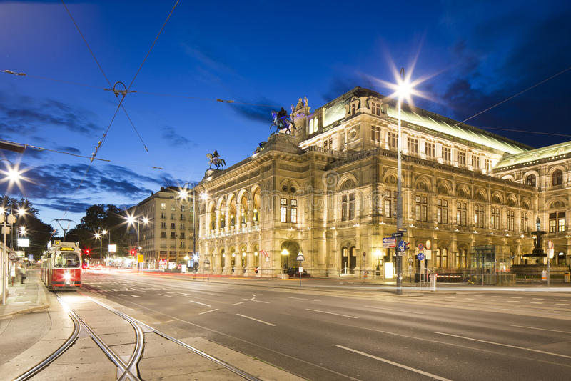 Vienna, Austria – May 31, 2016: Vienna State Opera. Vienna State Opera in the evening at twilight stock photos