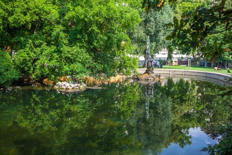 Vienna, Austria - 19 08 2018: fontana della statua nel parco della citt? di Vienna fotografie stock libere da diritti