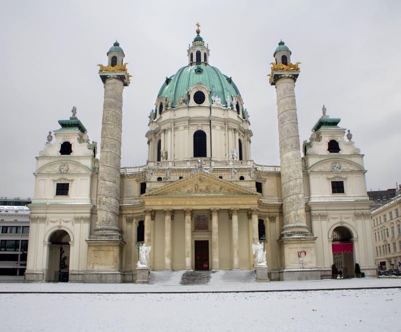 Vienna - Karlskirche in inverno immagini stock libere da diritti