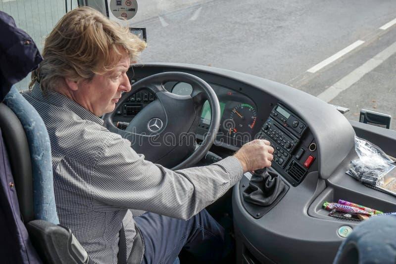 VIENNE, AUSTRIA/EUROPE - 22 SEPTEMBRE : Conducteur d'entraîneur fonctionnant dedans images libres de droits
