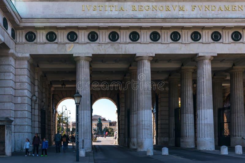 Vienne, Autriche en septembre 2018 : la structure d'entrée du palais impérial de Hofburg à Vienne photos libres de droits