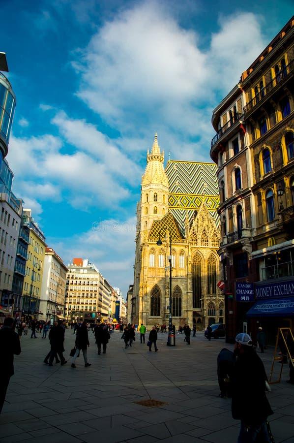 VIENNE, AUTRICHE 21 janvier : Cathédrale Stephansdom du ` s de St Stephan un jour ensoleillé photos libres de droits