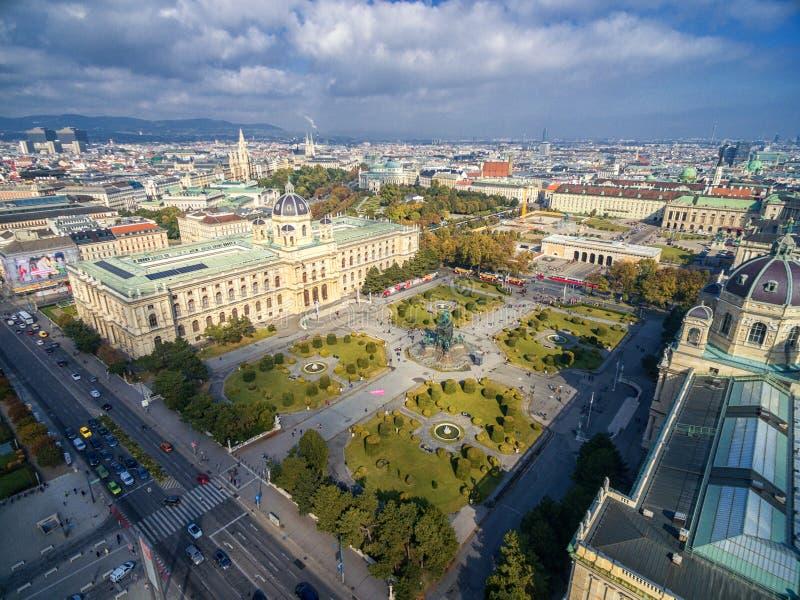VIENNE, AUTRICHE - 7 OCTOBRE 2016 : Musée d'histoire naturelle et de Maria Theresien Platz Musée Wien de Kunsthistorisches Grand  image libre de droits
