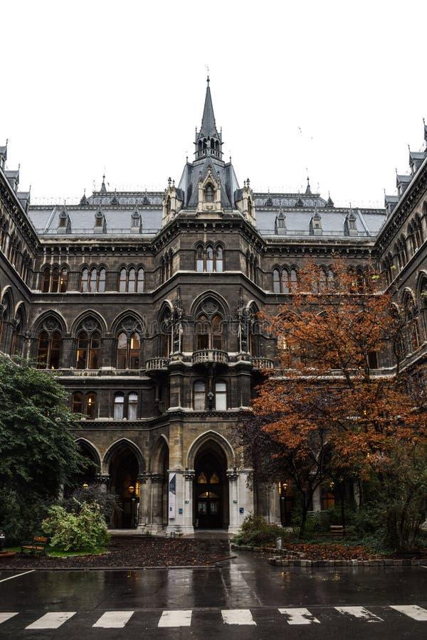 Vienne, Autriche, septembre, 14, 2019 - nFacade de la cour intérieure de Rathaus, le bâtiment où la ville de Vienne photos libres de droits
