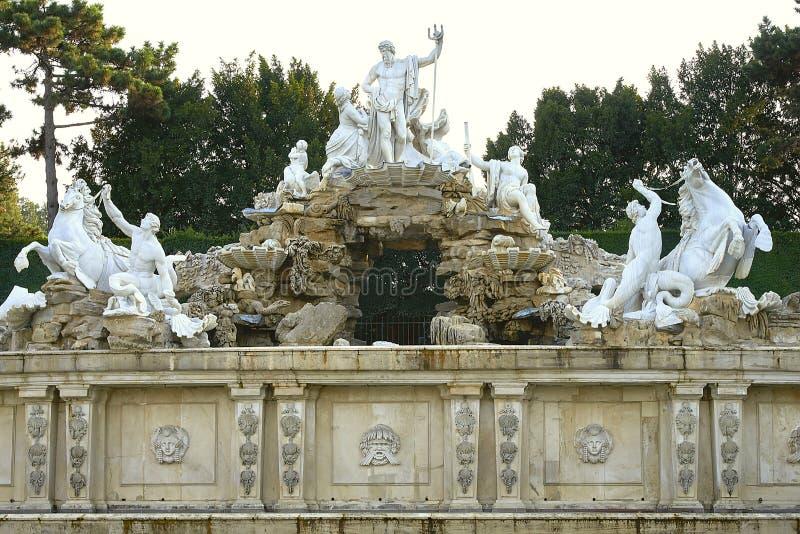 Vienne, Autriche - 25 septembre 2013 : Palais et jardins de Schonbrunn L'ancienne résidence impériale d'été Le palais est un de T images stock