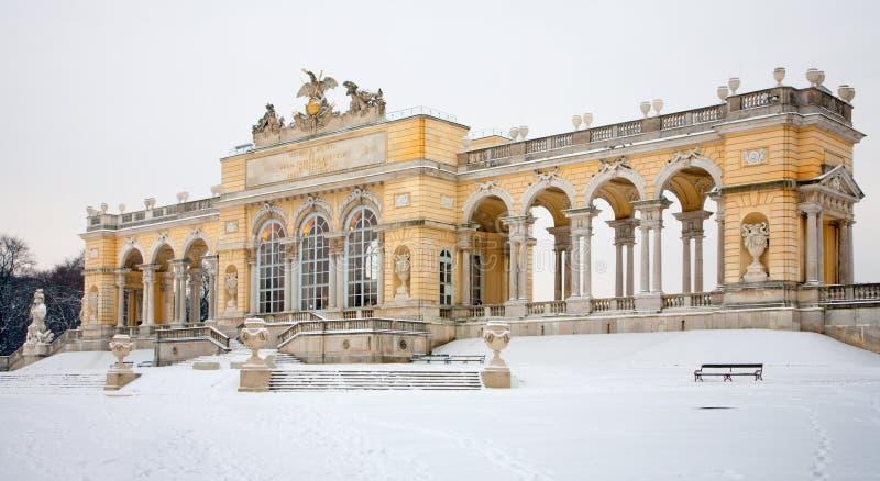 Vienne - Gloriette de palais de Schonbrunn en hiver images stock