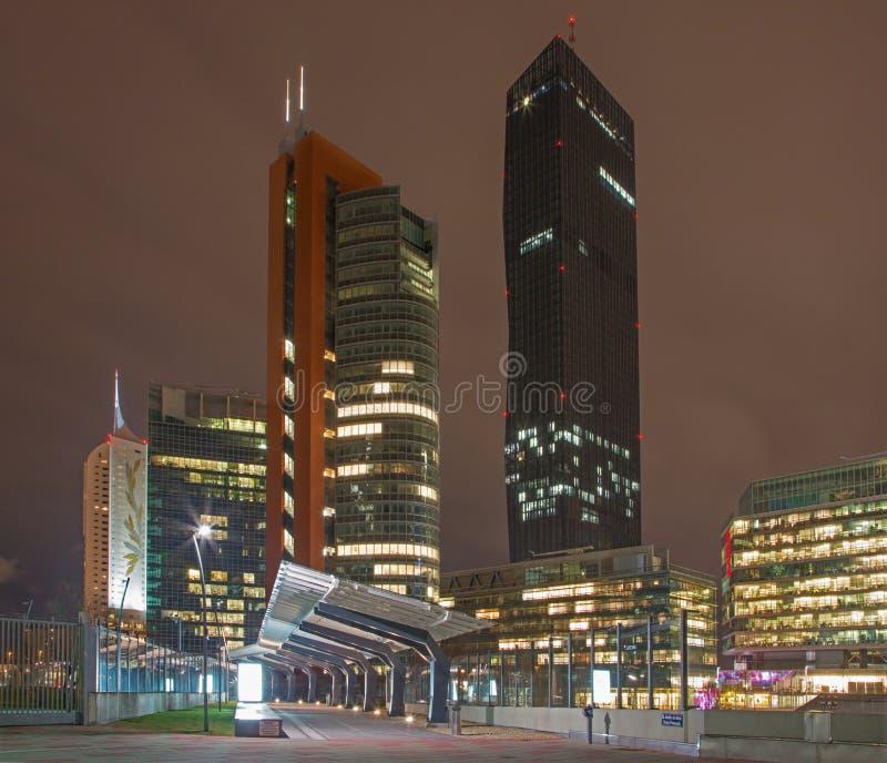 Vienne - hauts bâtiments près d'Unocity photos stock