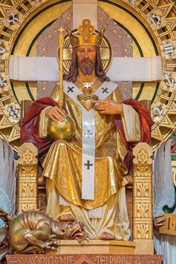Vienne - le Christ la statue de roi par l'architecte Richard Jordan et l'artiste Ludwig Schadler de l'année 1933 dans l'église de  image libre de droits