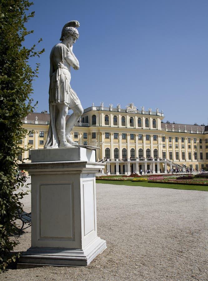 Vienne - statue de mythologie - Schonbrunn images libres de droits