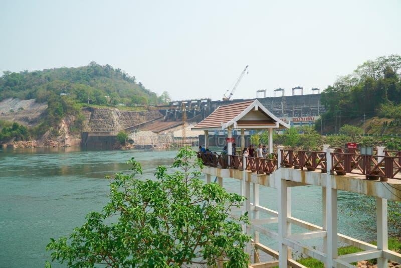 Vientiane landskap, Laos - April 08, 2019: Nam Ngum Hydropower Dam, den första största vattenkraften frambringar elektricitet i royaltyfri foto