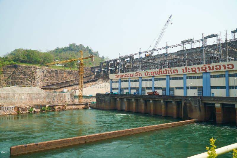 Vientiane landskap, Laos - April 08, 2019: Nam Ngum Hydropower Dam, den första största vattenkraften frambringar elektricitet i royaltyfri bild