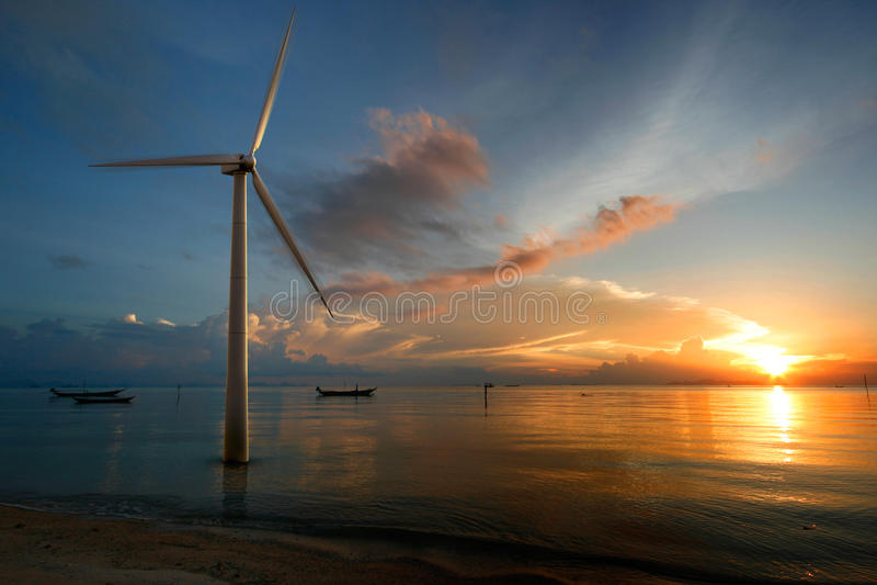 Viento en la puesta del sol foto de archivo libre de regalías
