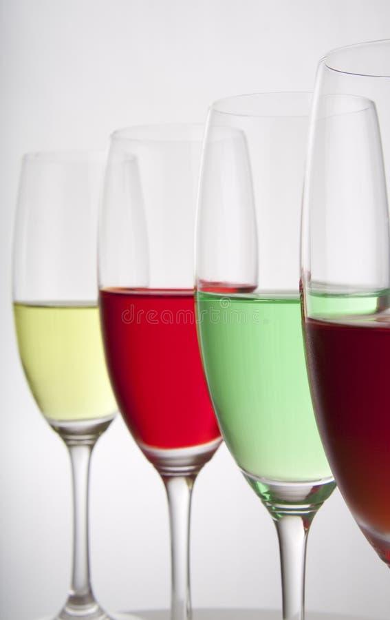 Vier bunte Partygetränke stockfoto. Bild von bunt, grün - 10650842
