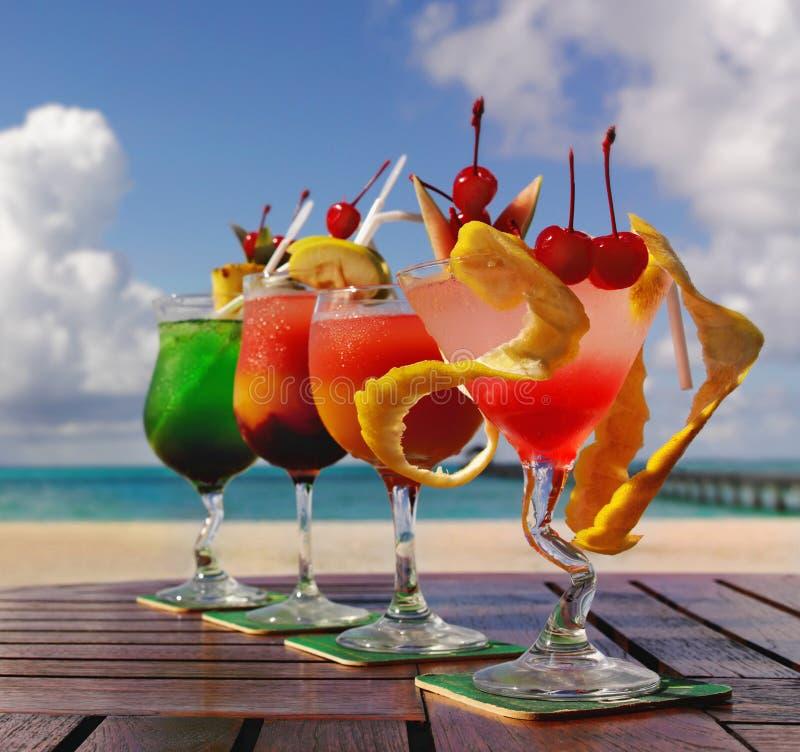Vier Cocktails stockbild