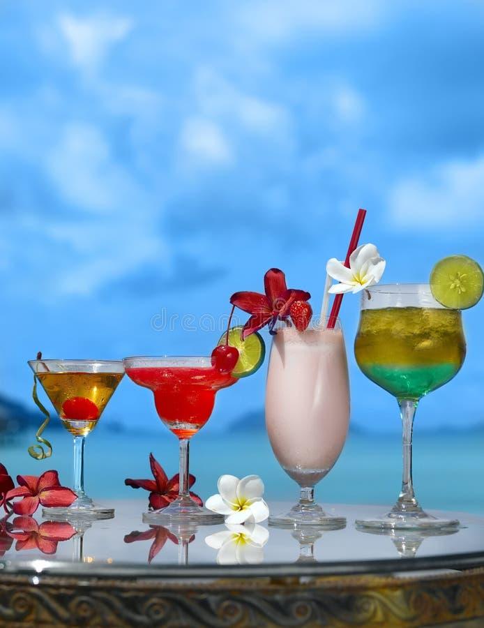 Vier Cocktails lizenzfreie stockfotos
