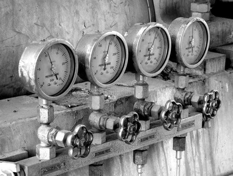 Vier Druckmeßinstrumente stockfoto