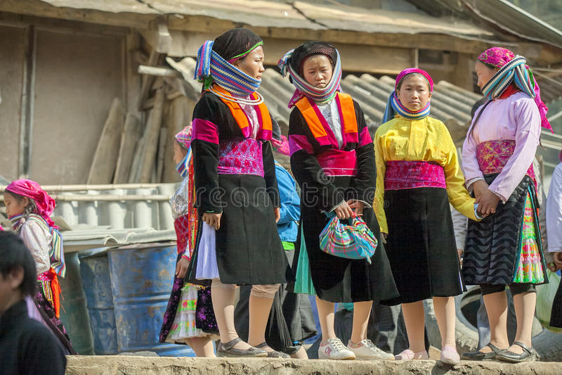 Vier Etnische minderheidvrouw, bij oude Dong Van-markt royalty-vrije stock afbeelding