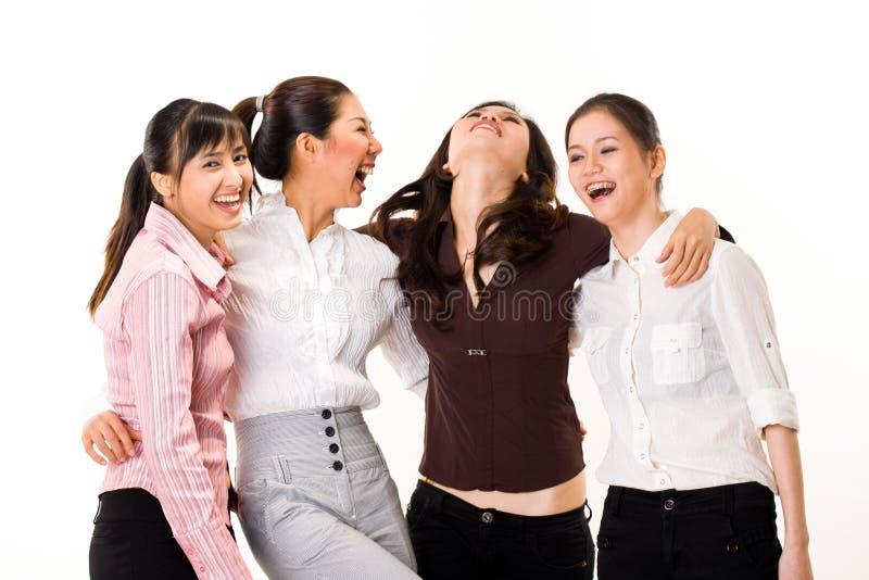 Vier Freundinnen stockfoto